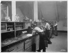 Eliot chemistry lab pre48.jpg
