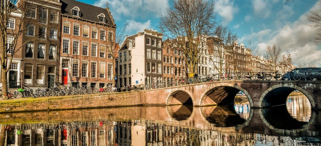 amsterdam-by-dan-rocha-flickr-creative-commons-1024x467